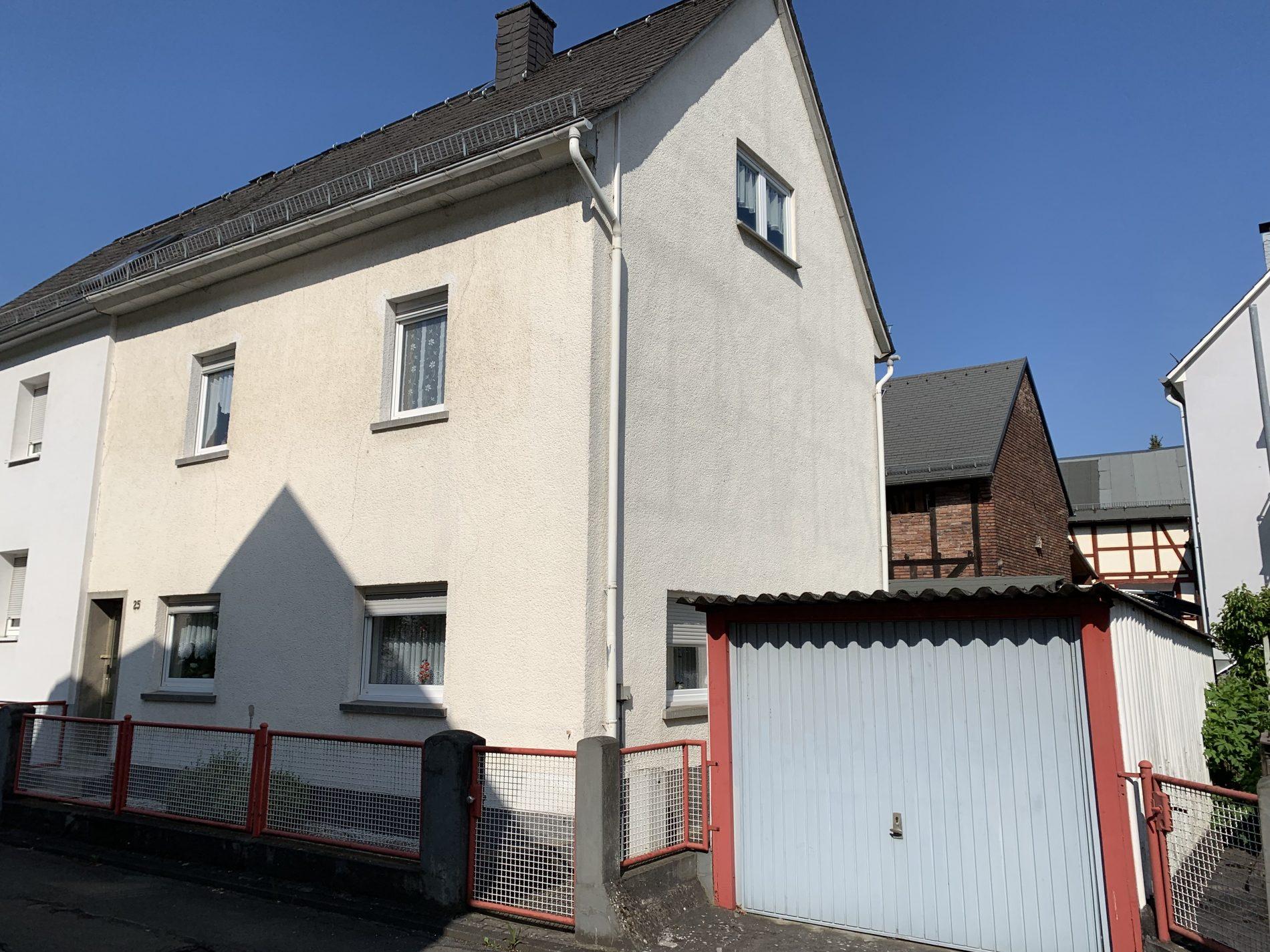 2 Fam.-Haus in Dillenburg- Niederscheld